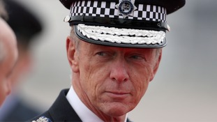 The Metropolitan Police Commissioner cut short an interview to jump into a taxi and make an arrest.