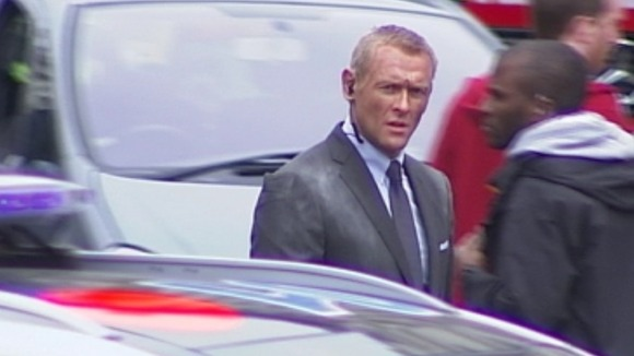 Stunt double? Actor bears close resemblance to Daniel Craig