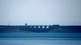 The battle for Mosul Dam continues despite Kurdish claims of victory.