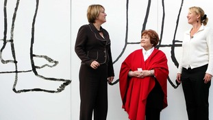 Home Secretary Jacqui Smith (left) talks with Helen Bamber and actress Emma Thompson (right) in 2007.