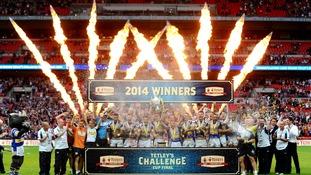 Leeds celebrate winning the Tetley's Challenge Cup