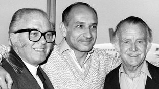 Richard Attenborough, the director of Gandhi, Ben Kingsley and John Mills ahead of the premiere for Gandhi in 1982.