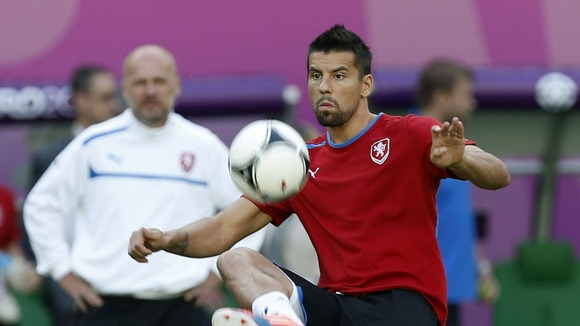 Milan Baros trains
