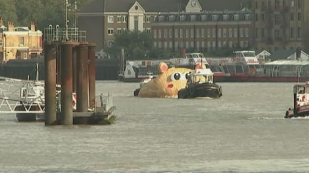 giant_hippo_river_thames