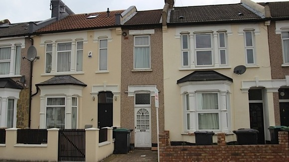 Is This Britain 39 S Narrowest House At 7ft Wide London