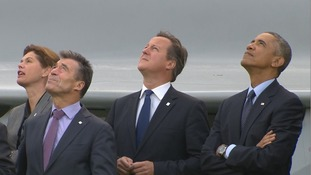 Obama Cameron flypast