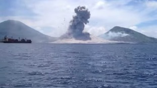 Tourist video captures violent volcanic eruption in Papua New Guinea