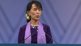 Burmese opposition leader Aung San Suu Kyi makes her speech in Oslo.