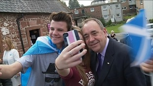 Salmond poses for photograph