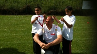 Steve Redgrave visits school children in Handsworth