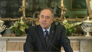 Alex Salmond resigns after Scotland rejects independence