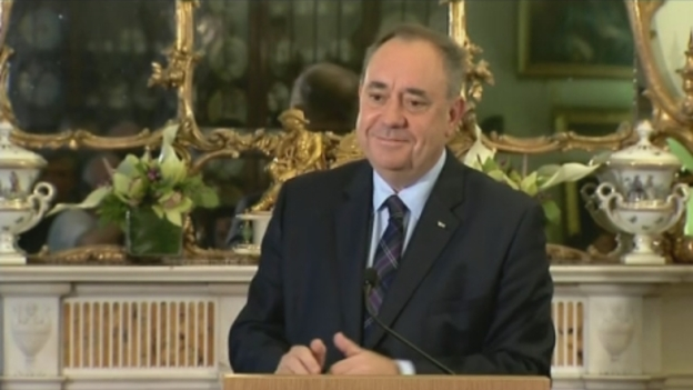 P-SALMOND_QUITS_LINK