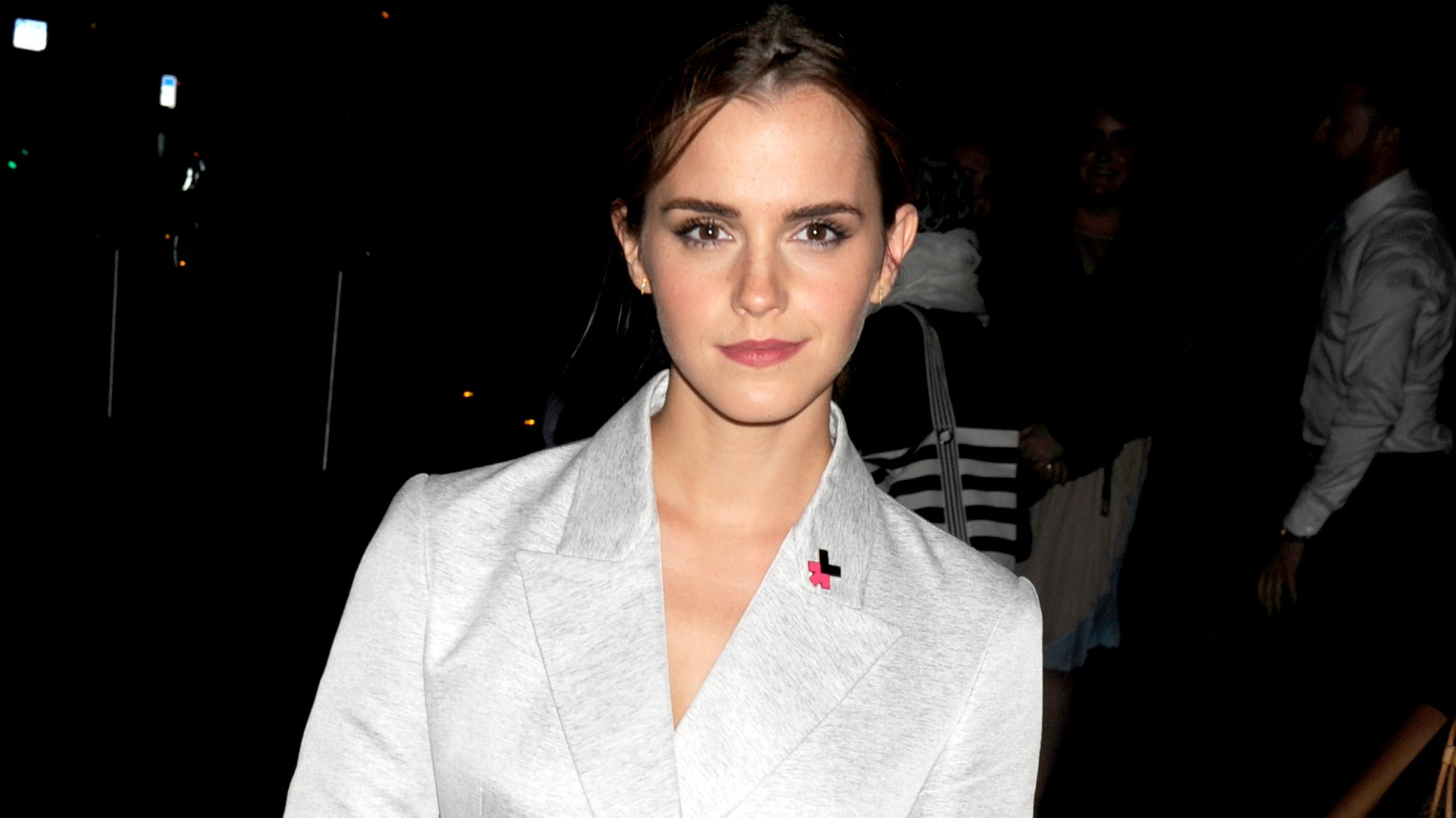 Hackers Threaten To Release Emma Watson Nude Pictures In