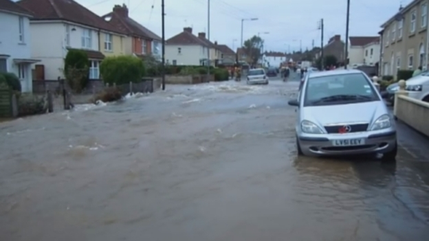 FLOOD_HOME_VIDEO_Best_Shot_video_Westcountry