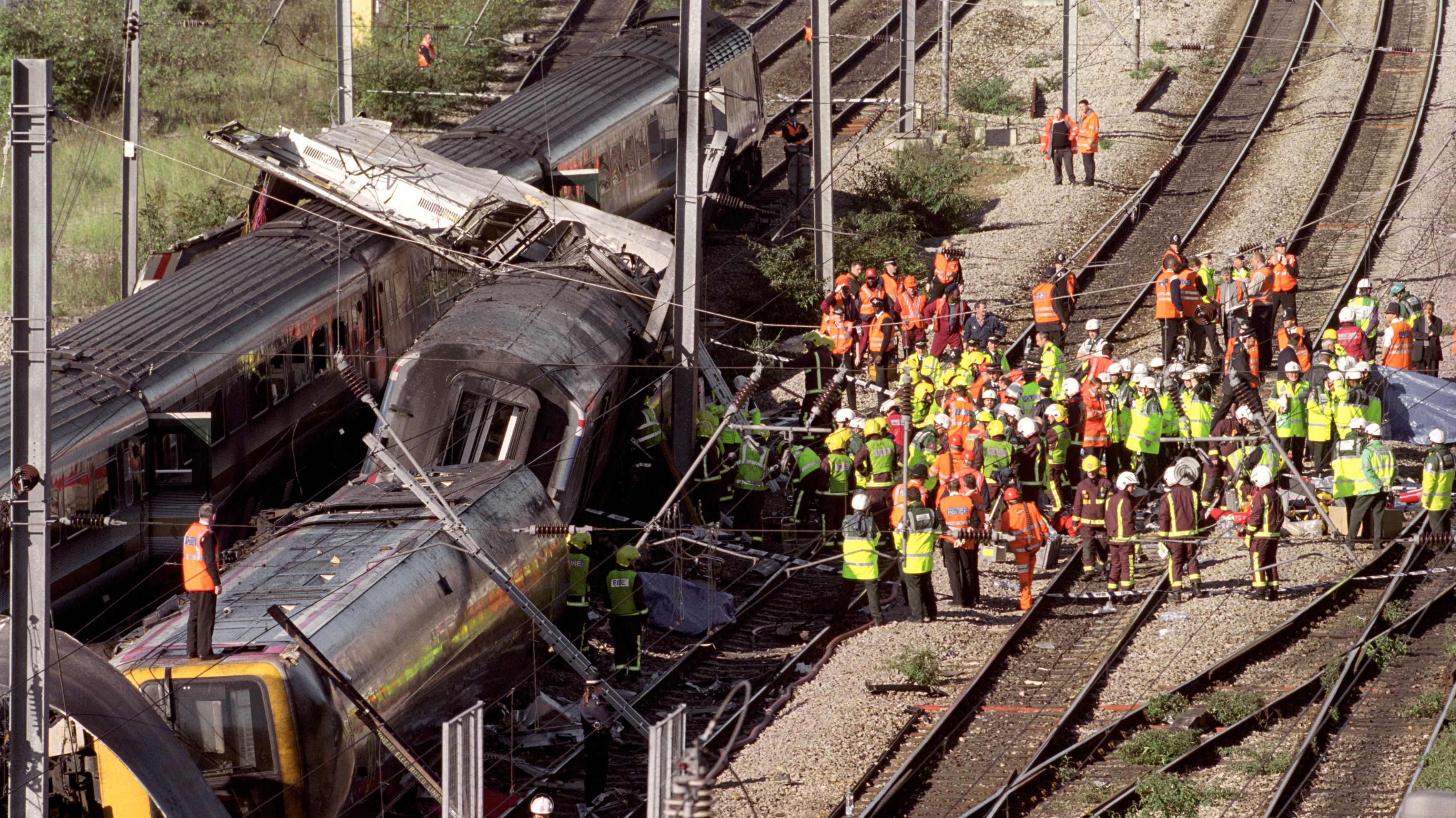 Paddington Rail Crash Survivors Mark 15th Anniversary
