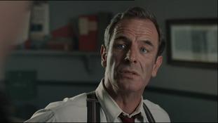 Robson Green plays Geordie, the detective.