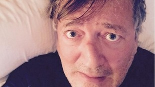Rise and shine! Celebrities post 'wake up selfies' to raise money for Syria