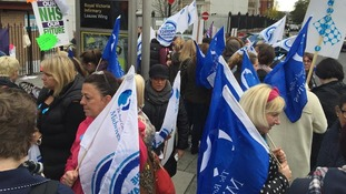 80 people protest at the RVI