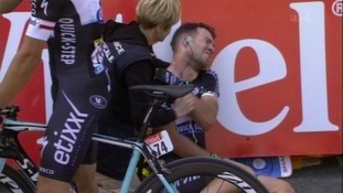 Cavendish dislocated his shoulder on Stage One of Le Grand Départ