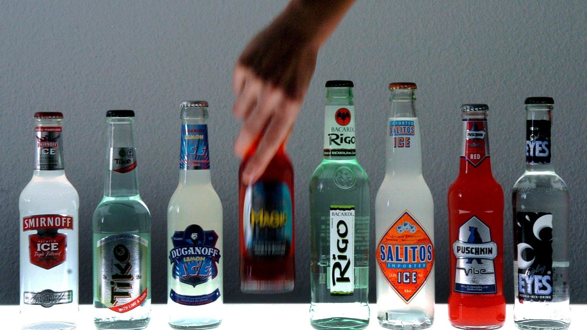 alcohol misuse health related illnesses Alcohol facts and evidence  department of health alcohol  another review found that when someone stops drinking they can reduce their alcohol-related risk.