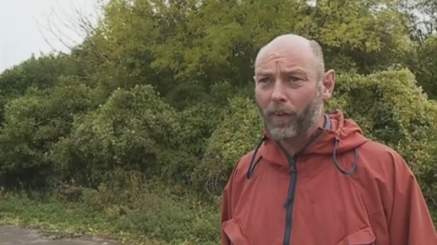Badger_sot_protester_video_Westcountry
