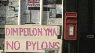A 'No Plyons' sign