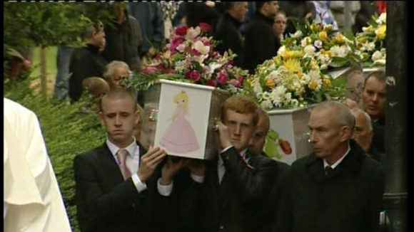 A princess painted onto Jade&#x27;s coffin, followed by Jayden who had a dinosaur 