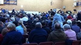 Hundreds turn out for meeting about traveller sites in Leicester