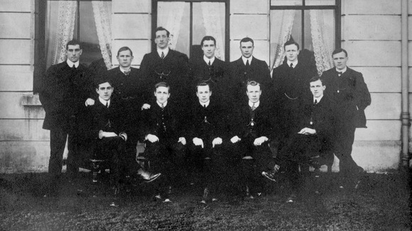The England football team in 1910