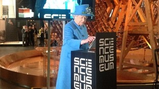 The Queen tweets