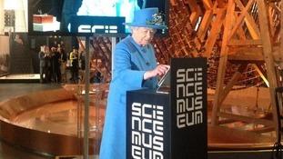 The Queen tweets