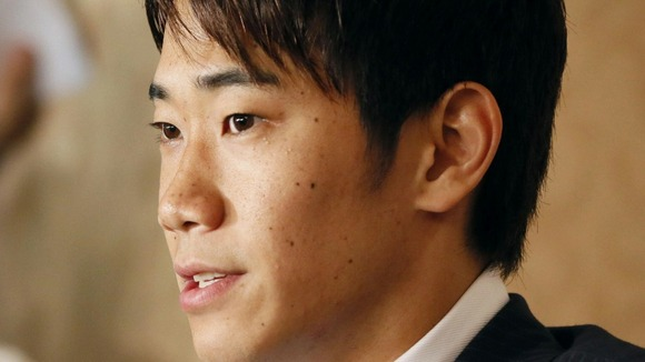 Shinji Kagawa facing questions from the media