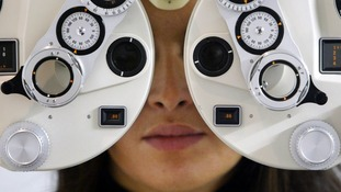 An eye test could help identify the early stages of dementia.