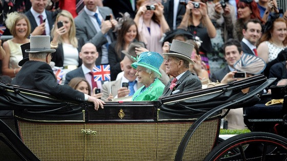 Queen and Duke of Edinburgh arrive at Royal Ascot