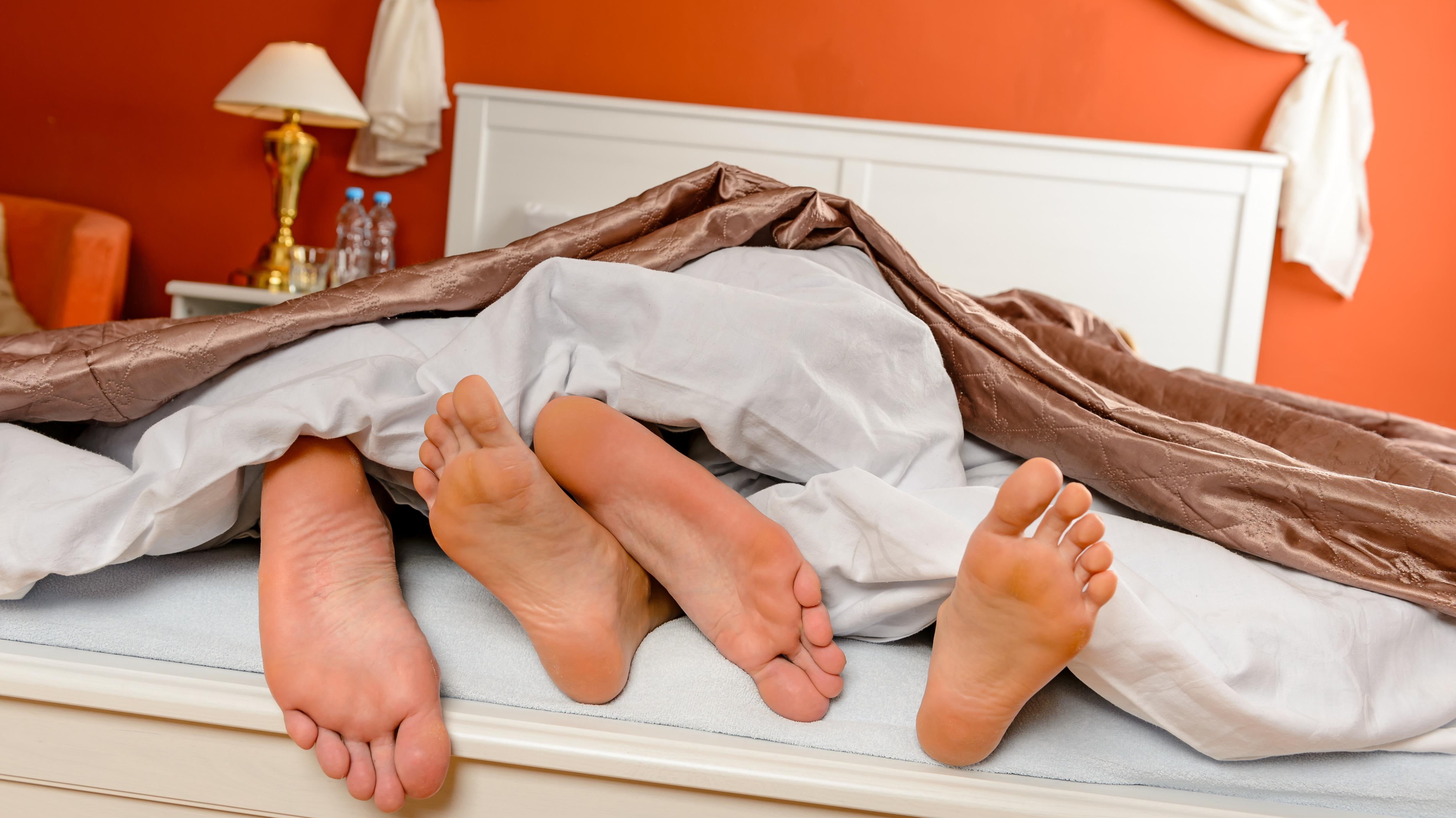 Фото спит в халате 18 фотография