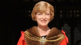 Abuse victims call on Fiona Woolf to quit