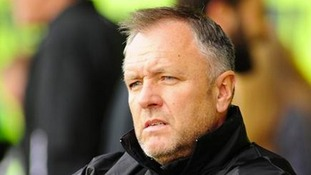 Lincoln City put Gary Simpson on 'gardening leave'