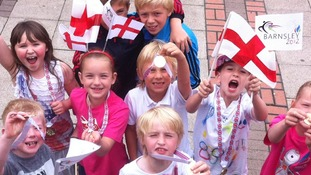 Children waiting for the torch