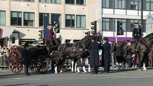 Dignitaries arrive at the city centre