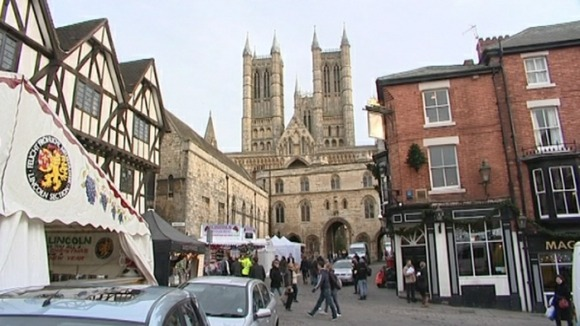 Lincoln Cathedral overlooks the Christmas Market
