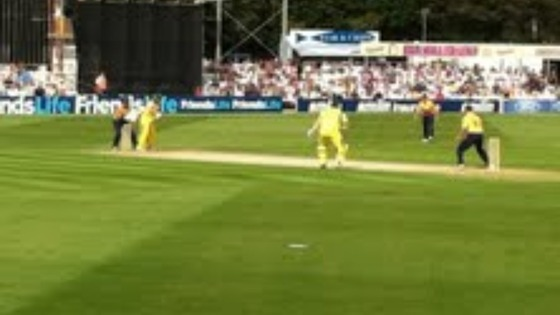 Australia v Essex