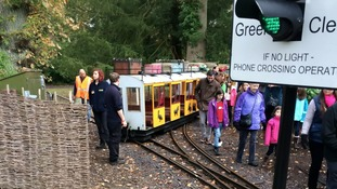 Miniature train derails at Longleat