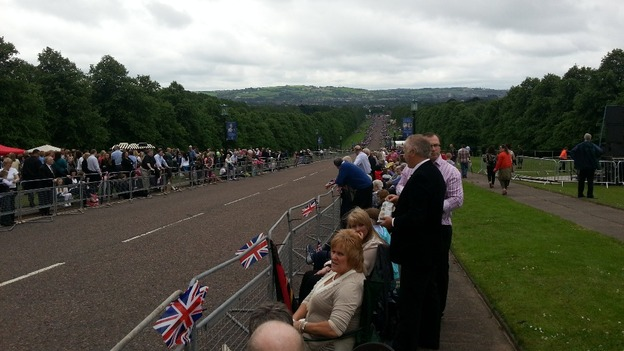 Crowds gather ahead of Queen's Stormont visit
