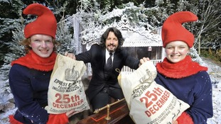 Laurence Llewelyn-Bowen with elves at The Magical Journey