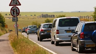 Queues near Stonehenge