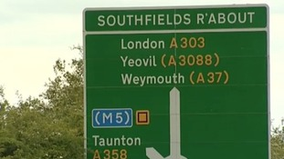 A303 roundabout sign