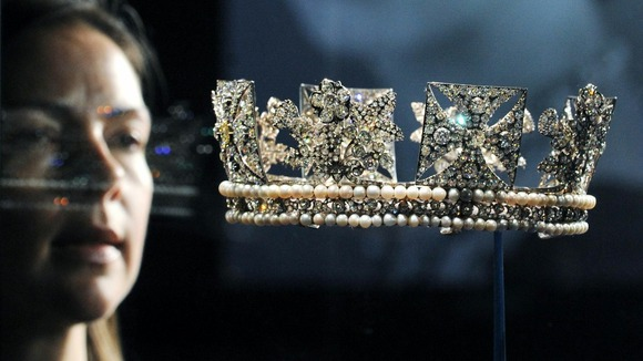 The Queen&#x27;s Diamond Diadem
