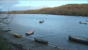 The body of the man found at Golant beach remains unidentified
