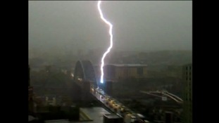 Lightning strikes the Tyne Bridge