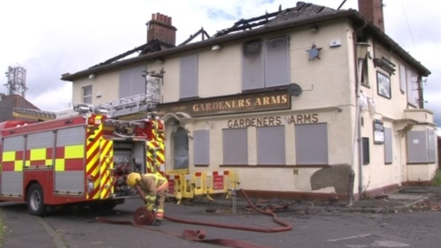 Fire crews returned to the Gardners Arms on Carrhill Road